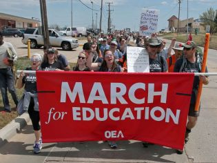 oklahoma-teachers-strike-01-ap-jef-180410_hpMain_4x3_992